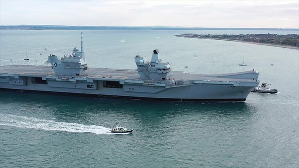 HMS Queen Elizabeth arriving HMNB Portsmouth 25 May 19
