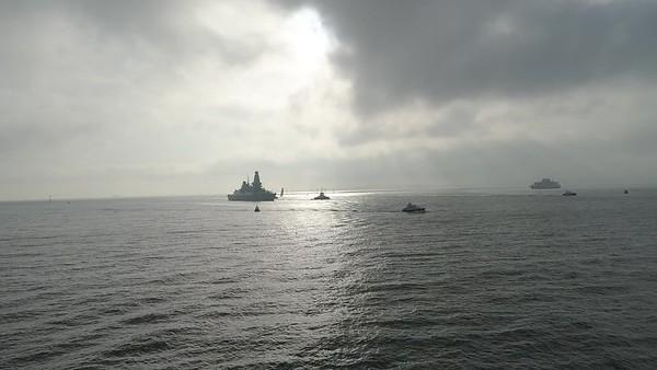 HMS Diamond returning from Deployment