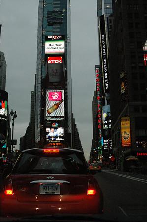 10-24-04 MINIs in Manhattan Sunrise run 016