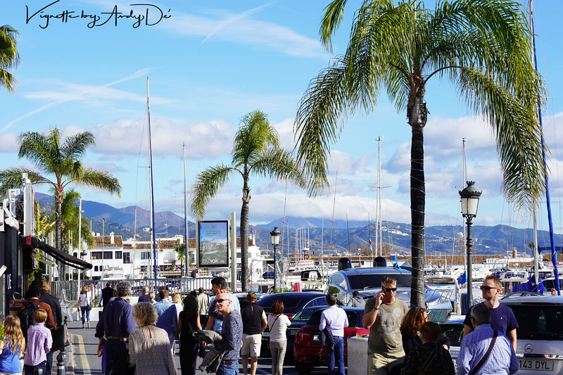 The city center comes alive with tourists, visitors and locals basking in the warmth of the Winter Sun, taking in the post Christmas festive spirit in PUERTO BANUS!