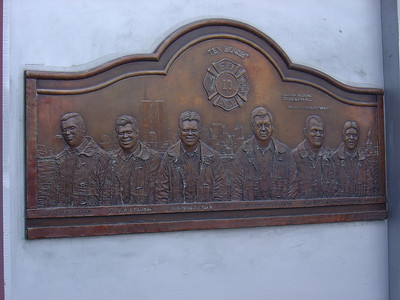 MEMORIAL PLAQUE ON THE 10 HOUSE FOR 9-11-01