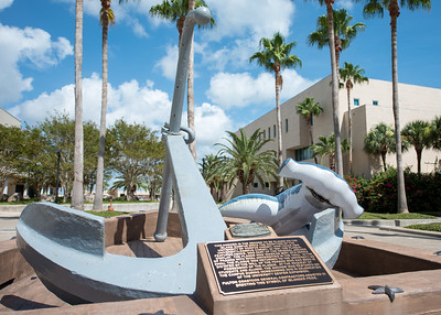 Hunter takes a closer look at the Anchor displayed in front of the University Center.  Learn about TAMU-CC's participation in Shark Week:  http://bit.ly/2uIUKYq