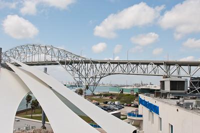 corpus-christi-harbor-bridge-leading-into-north-beach_24976635932_o