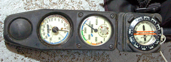 Divers Gauge Trio that shows and monitors Depth, 02 remaining and Compass. PHOTO BY JOE LIVINGSTON/STAFF