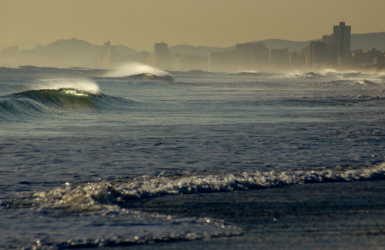 Playa el Salér is one of several wild beaches that can be found just fifteen minutes from city-centre.