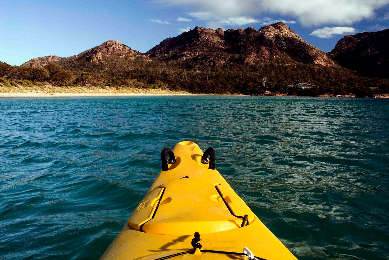 Protected from the wrath of the Southern Ocean by Freycinet Peninsula, Great Oyster Bay  offers wonderful kayaking conditions.