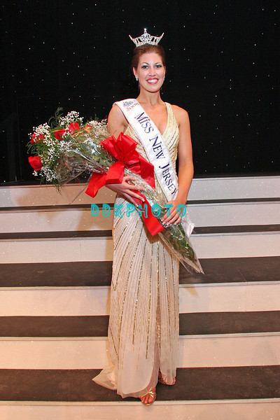 "Miss New Jersey 2008-09, Ashley Fairfield after being crowned ""Miss New Jersey"""