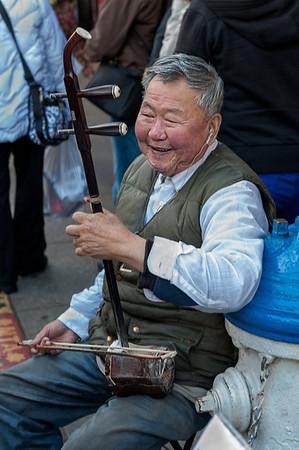 Street musician, Chinatown