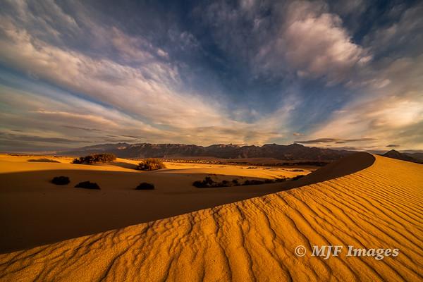 Golden Barchan Dune I