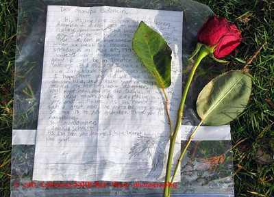 letters and other memorials left at the Wall