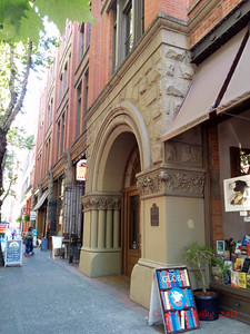 st Street in from of the Globe books