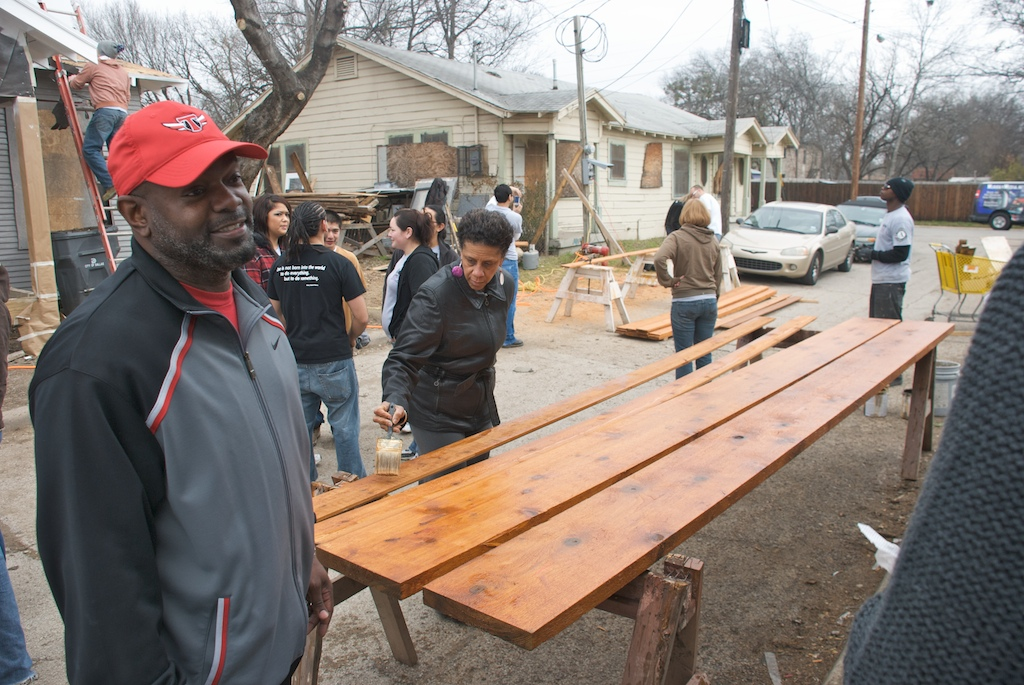MLK Day, January 18, 2010: Former Dallas Cowboy Emmitt Smith served as an MLK Day ambassador. In addition to supporting the overall day of service effort, Mr. Smith and his family helped rehabilitate a home in the Congo Street neighborhood of Dallas.