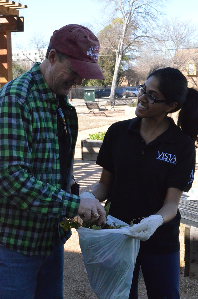 AmeriCorps VISTA member serving on MLK Day 2014 in Baylor, TX. Corporation for National and Community Service Photo.