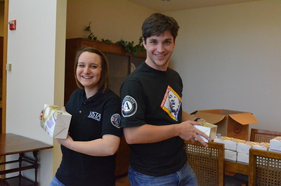 AmeriCorps VISTA members serving on MLK Day 2014 in Baylor, TX. Corporation for National and Community Service Photo.