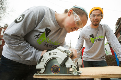 AmeriCorps members serving with Rebuilding Together in Pittsburgh, PA on MLK Day 2014. Photo by Henry Scott.