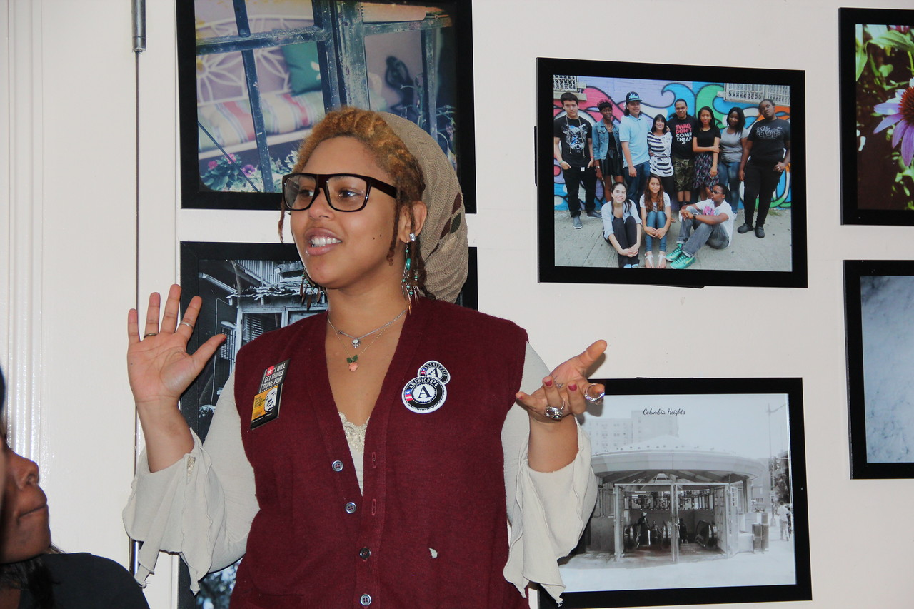 An AmeriCorps member shares her story at the Latin American Youth Center in Washington, D.C. on MLK Day 2014. Corporation for National and Community Service Photo.