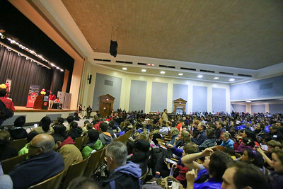close to 1000 volunteers gather to serve at Coolidge HS in Washington, D.C. during MLK Day 2014. Corporation for National and Community Service Photo.