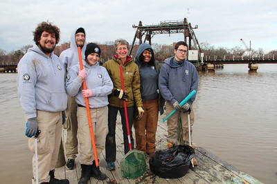 Sec. Sally Jewell of the Department of the Interior works alongside AmeriCorps NCCC members and community volunteers on MLK Day at an Anacostia river cleanup project organized by the Student Conservation Assocation, an AmeriCorps program. Corporation for National and Community Service photo.