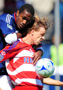 29, March 2009:   FC Dallas midfielder Dave van den Bergh #7 in action during the soccer game between FC Dallas & Chivas USA at the Pizza Hut Stadium in Frisco,TX. Chivas USA  beat FC Dallas 2-0. Manny Flores/Icon SMI