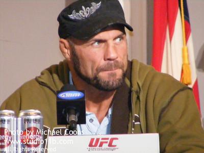 UFC 100825 0018