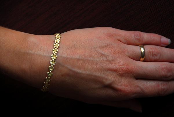 Vicky 40th BD bracelet Feb 10