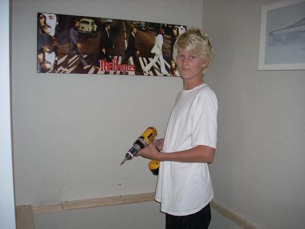 10-11-09 Cole's desk 002