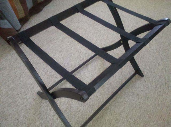 8-10-10 Luggage rack