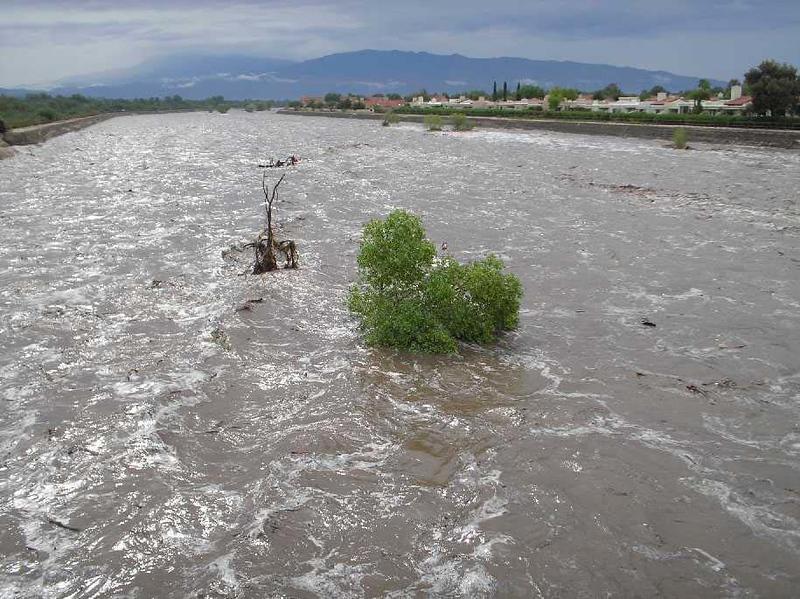 7-06 Tucson wash flood #2