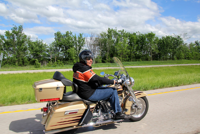 Clearly cruising in style and relative comfort - 1600cc keeps him going strong. - Jay
