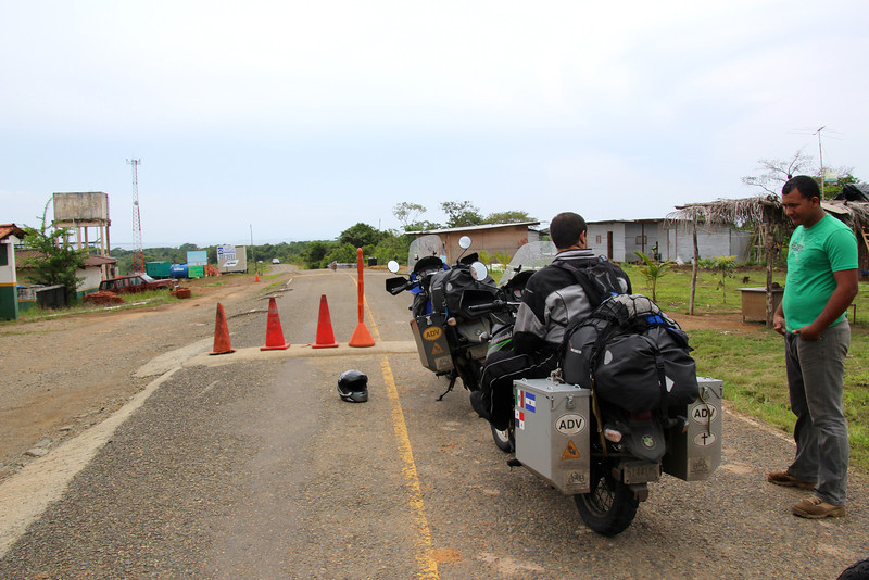 We also needed to pass through a Panamanian (aduana/immigration) checkpoint. - Jay