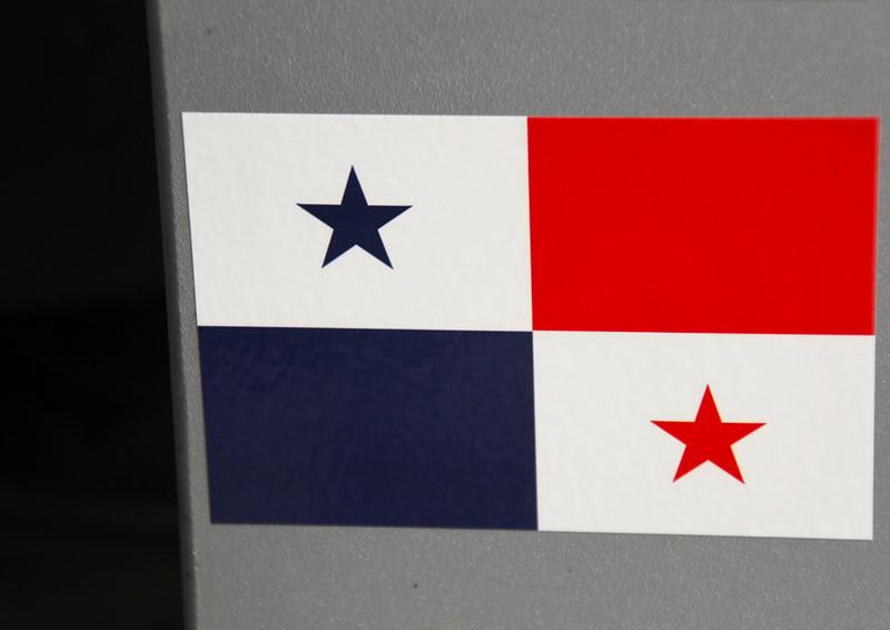 Adding the Panamanian flag. - Jay