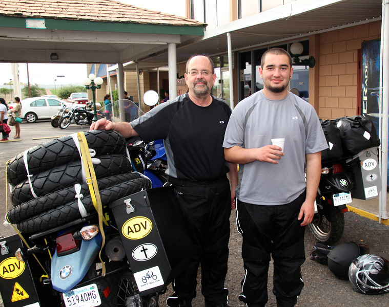 The ride into Laredo from Austin (233 miles) was fairly quick in comparison to our previous 627 mile day. The Gateway Inn (background) probably set some new standards of excellent for a 1/4 start hotel. We were loaded and ready to ride by about 7:00AM. The border crossing, our next major challenge, was about 15 miles away where we'd enter Nuevo Laredo, Mexico. - Jay