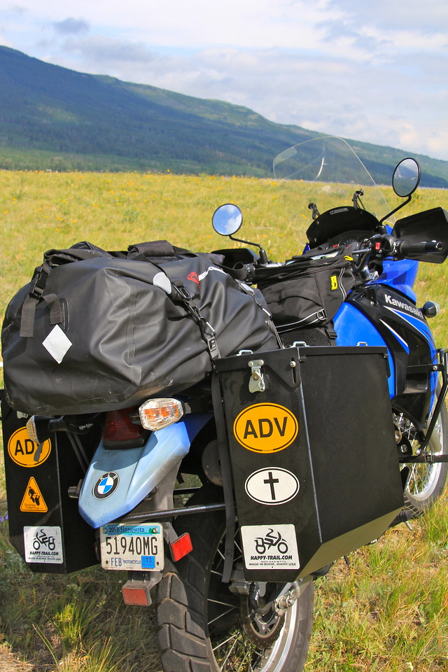 For hauling our gear we went with lockable Cascade aluminum panniers from Happy Trails, a single Twisted Throttle 60 liter Waterproof PVC Dry Bag, and a Wolfman Explorer Lite Tank Bag. -Jay