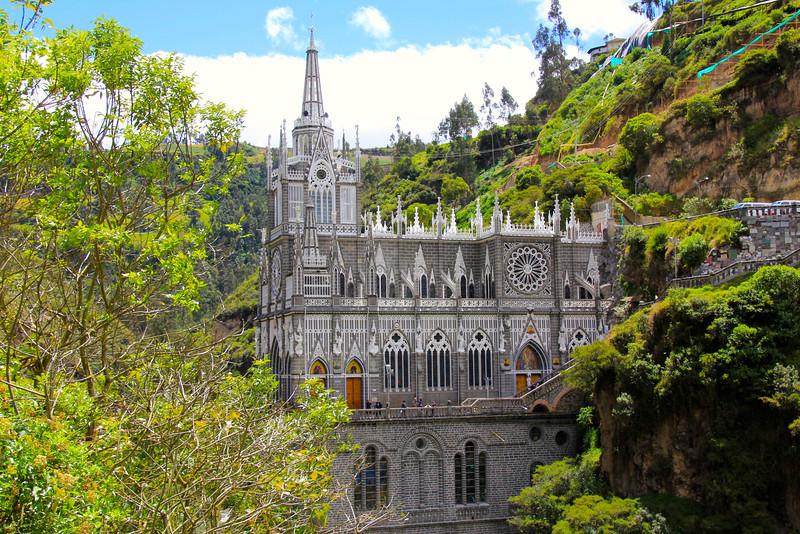 #12 - Santuario de Las Lajas (Colombia)