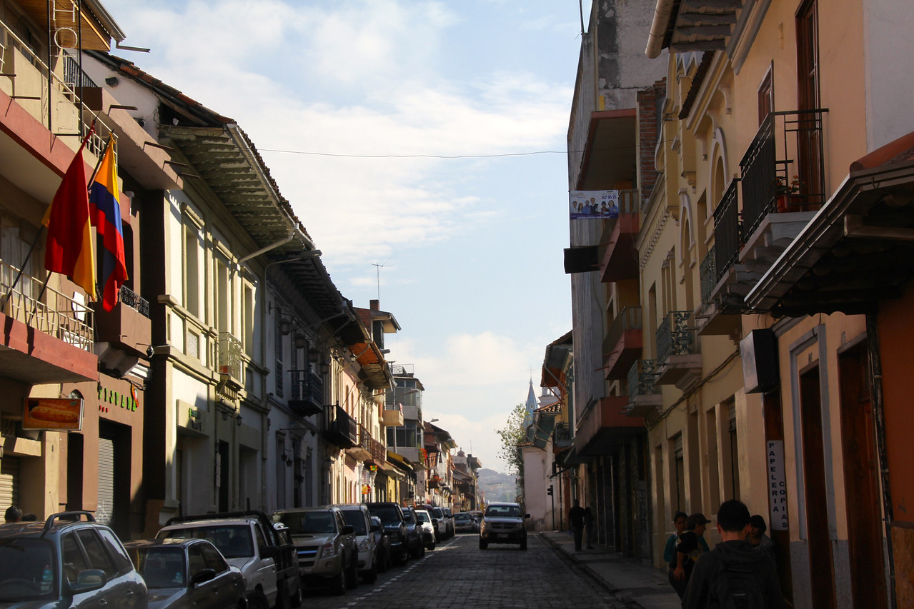 Cuenca has a population of about 500,000 and it's a city I'd enjoy living in if given the opportunity. Medellin, by the way, is the other city we've visited that I'd consider living in. - Jay