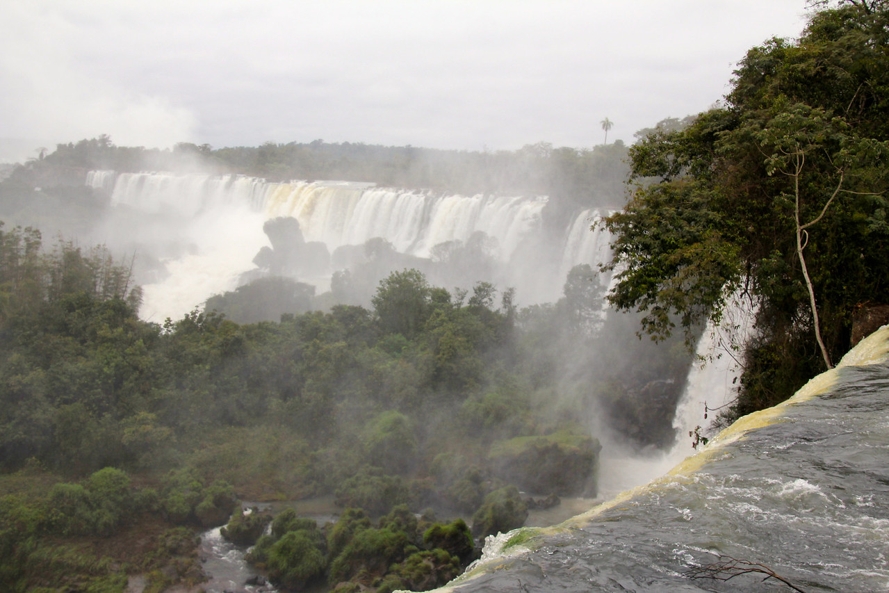 There are actually 275 different falls that are visible but the largest one, Garganta del Diablo (Devil's Throat), accounts for almost half of the water flowing through the falls. - Jay