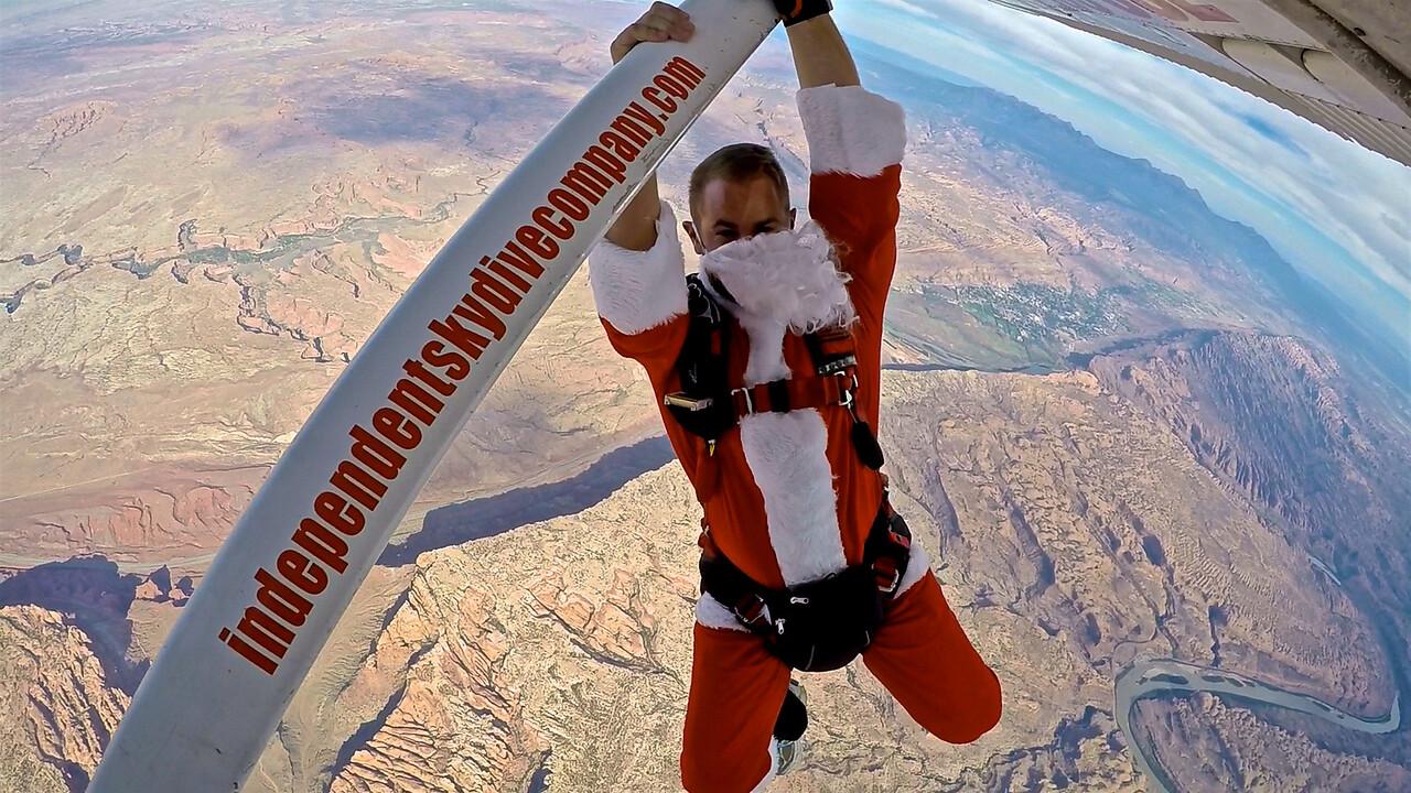 Santa Drops into Canyons
