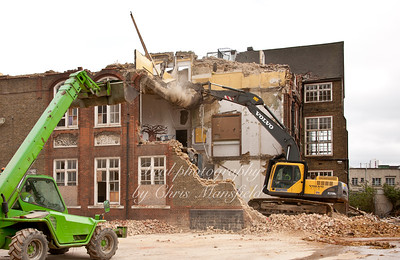 April 1st 2011.. Union street school demolition
