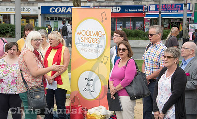 Aug' 18th 2018.  The Woolwich singers doing a little bit of recruiting in General Gordon place