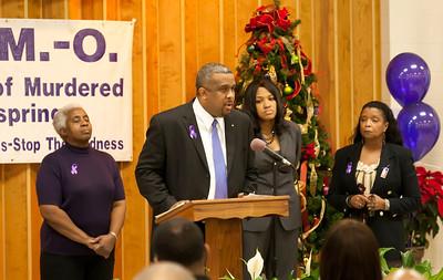M O M -O Press Conference 12-15-11 035