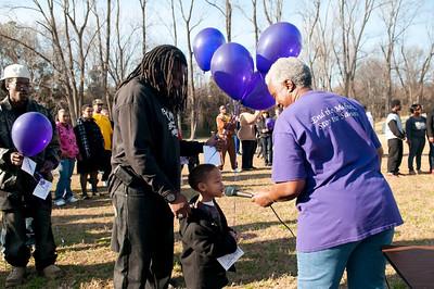 M O M-O Annual Balloon Release @ Frazier Park 1-1-12 068