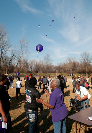 M O M-O Annual Balloon Release @ Frazier Park 1-1-12 058