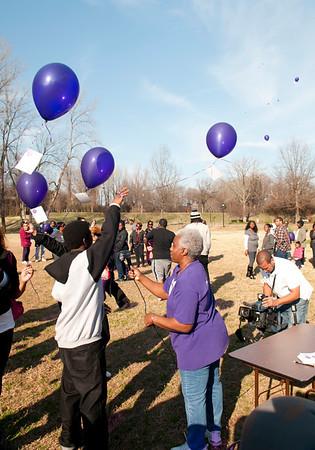 M O M-O Annual Balloon Release @ Frazier Park 1-1-12 060