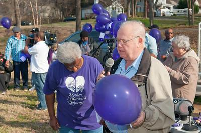M O M-O Annual Balloon Release @ Frazier Park 1-1-12 039