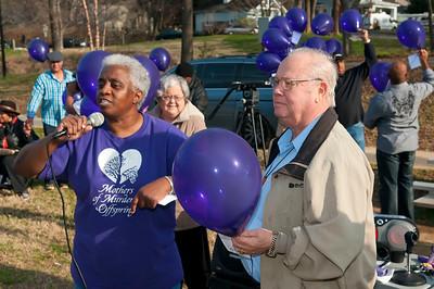 M O M-O Annual Balloon Release @ Frazier Park 1-1-12 038