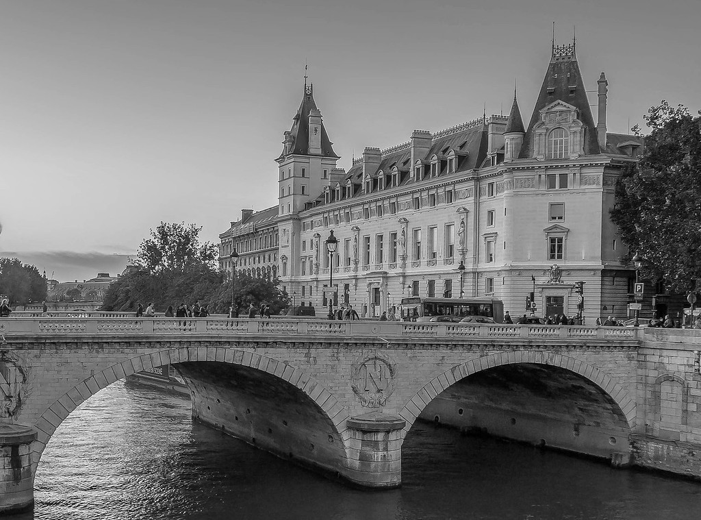 Pont Saint-Michel, Paris