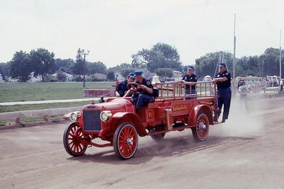 LAKE GENEVA FD WI  ENGINE 1  AT 1975 MONROE FIRE SCHOOL   JDS PHOTO