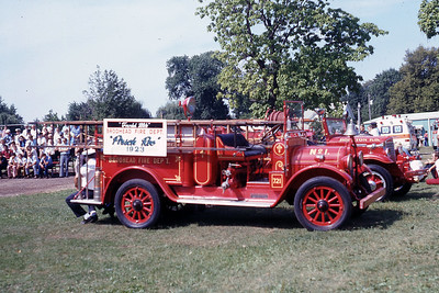 BROADHEAD FD WI  ENGINE 1  1928   1975  MONROE FIRE SCHOOL
