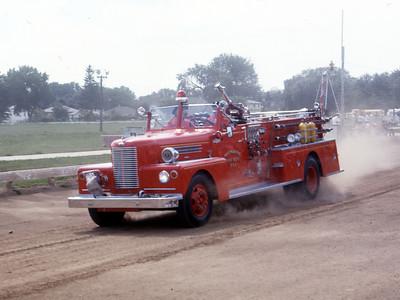 1975  MONROE FIRE SCHOOL  MONROE FD WI  ENGINE  PIRSCH   ON THE TRACK   JDS PHOTO