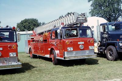 MONROE FD WI  TRUCK 757  PIRSCH   100'    AT 1975 MONROE FIRE SCHOOL   JDS PHOTO